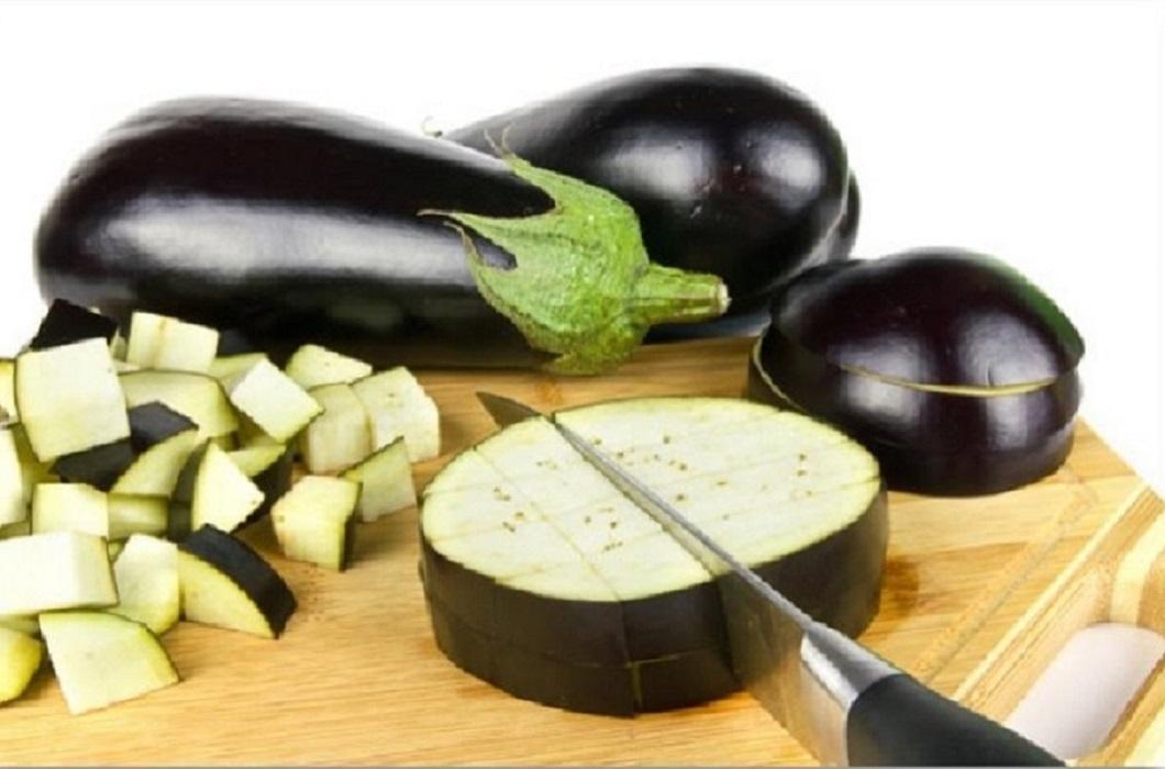 Как нарезать баклажан для салата